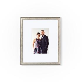 Monroe frame of couple